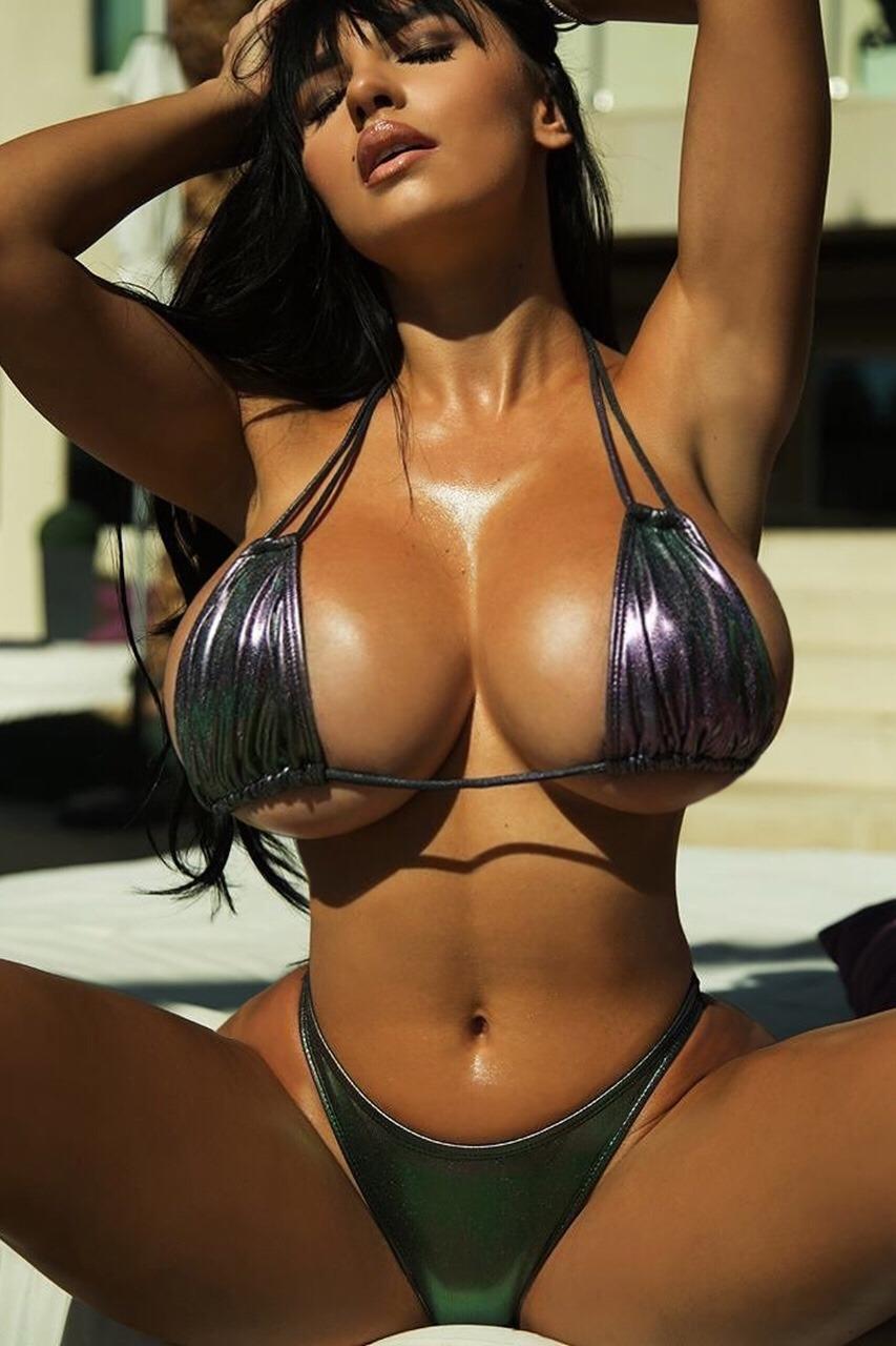 Iryna Boobs